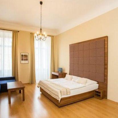Centrum Prahy ve studiu či apartmánu v Hotelu U Zlaté podkovy *** se speciálním menu + dítě do 9 let zdarma