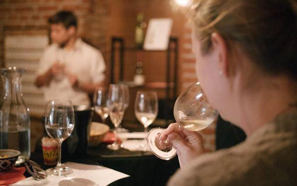 Degustace tapas a exkluzivních vín pro 1 osobu3