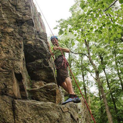 Jednodenní kurz lezení u Písku včetně pohybu po zajištěných cestách