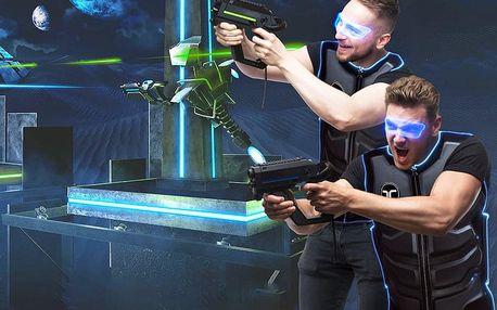 VR paintballová hra pro skupinu přátel