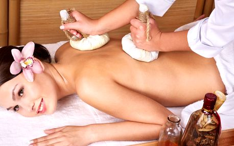 Bylinná masáž s účinky tradiční vietnamské masáže