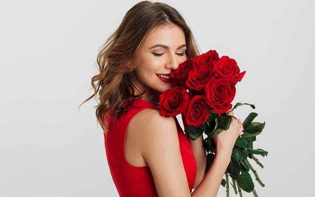 Pugét z holandských rudých nebo růžových růží