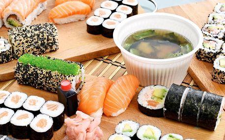 Pochoutka domů i do práce: pestré sushi sety s sebou
