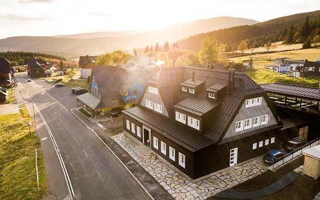 Dovolená v Krkonoších v útulné chatě Hradečanka s moderním horským designem