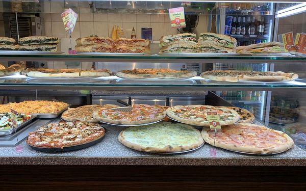 1x pizza a nápoj dle výběru4