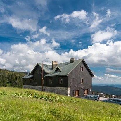 Podzimní pobyt na chatě Malá Rennerovka. Příjemná atmosféra a domácí prostředí.