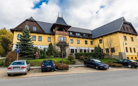 Valašský hotel s polopenzí a pivními lázněmi