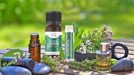 100% esenciální olej nebo přírodní balzám na rty