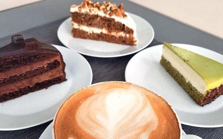 Káva dle výběru a cheesecake, mrkvový či čoko dort