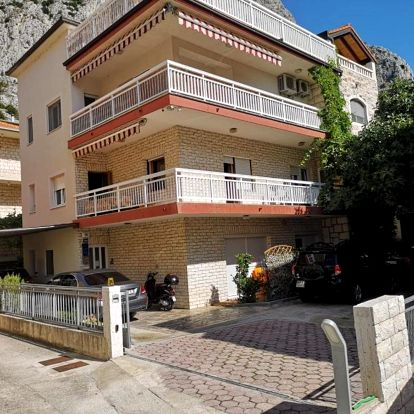 Chorvatsko, Omiš: Apartments Neven