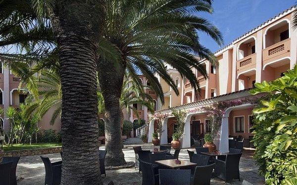 Cala Ginepro Hotel Resort, Sardinie / Sardegna, Itálie, Sardinie / Sardegna, letecky, polopenze4