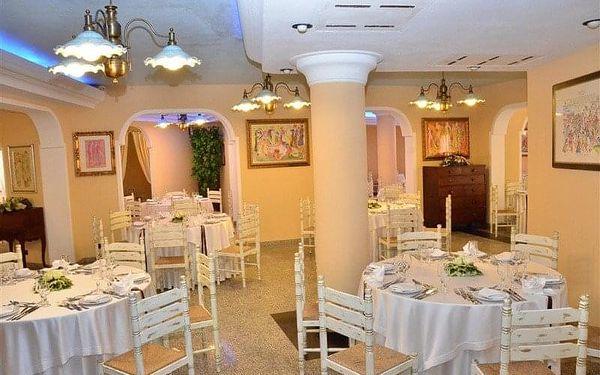 Cala Ginepro Hotel Resort, Sardinie / Sardegna, Itálie, Sardinie / Sardegna, letecky, polopenze5
