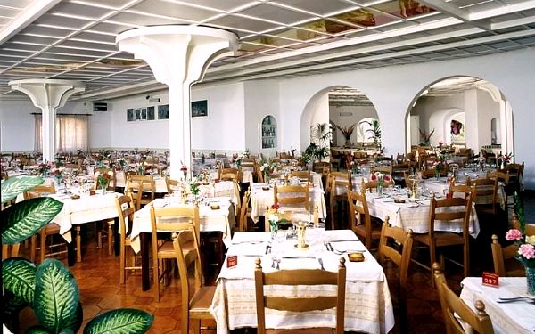 Itálie - Ischia letecky na 8-13 dnů, polopenze