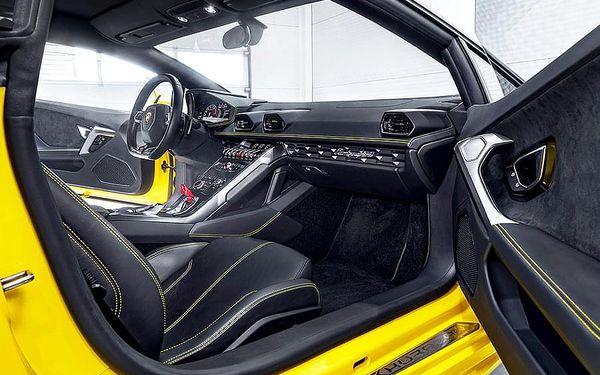 Jízda v Lamborghini Huracán - 20 minut | Olomouc | Duben - říjen. | 20 minut.3