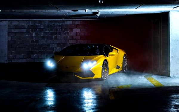 Jízda v Lamborghini Huracán - 20 minut | Hradec Králové | Duben - říjen. | 20 minut.5
