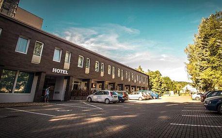 Střední Čechy: Hotel Sázavský ostrov *** se vstupenkami na atrakce či zapůjčením člunu a koloběžek + polopenze
