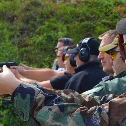 Adrenalin na střelnici: až 120 nábojů z 15 zbraní