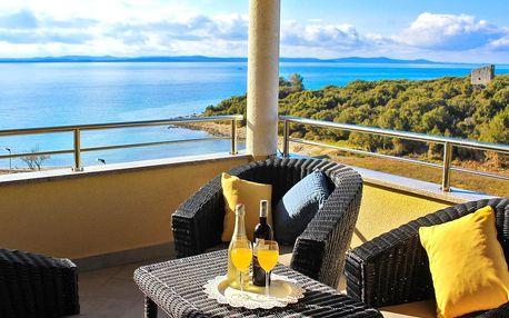 Apartmány u Zadaru s výhledem na moře a bazénem