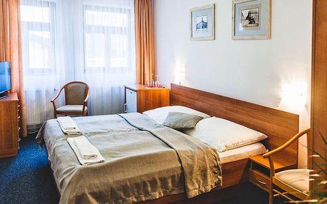 Historický hotel v centru Hradce Králové se snídaní