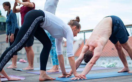 Protáhněte tělo: klasická či hot jóga kousek od centra