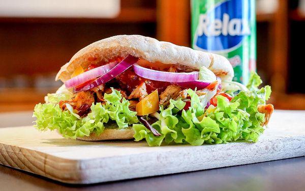 1x kebab s kuřecím masem + hranolky4