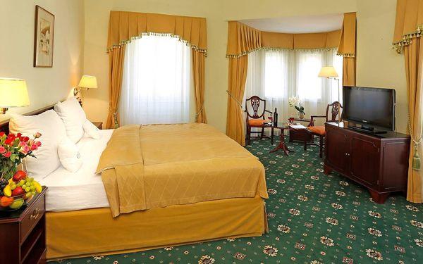 Pobyt ve 4* hotelu ve Varech s jídlem a procedurami
