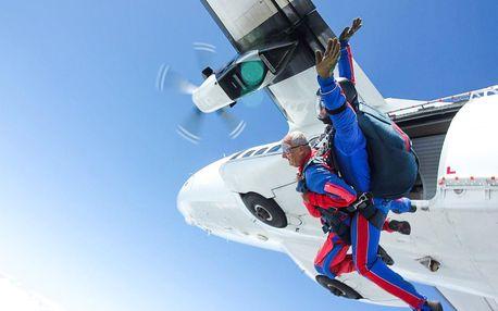 6000 metrů nad zemí - tandemový seskok padákem v Příbrami