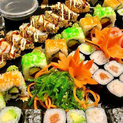 24 či 52 ks sushi: sety s lososem, krabem i vege
