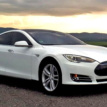 Projížďka ve fantastickém žihadle Tesla S