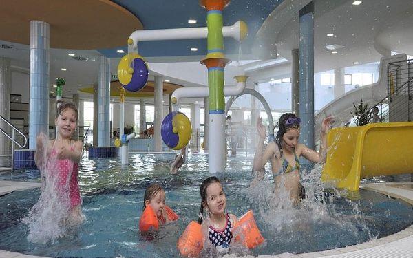 Legrace s dětmi v populárním aquaparku v Maďarsku vč. polopenze & 2 děti zdarma  3 dny / 2 noci, 2 os. , polopenze4