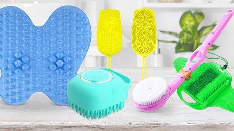 Mycí potřeby do koupelny: houby, kartáče i podložky