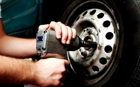 Přezutí pneumatik vč. vyvážení a uskladnění na léto