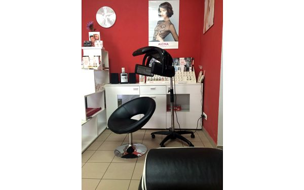 Střih a keratinový zábal pro krátké vlasy5