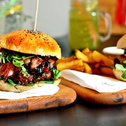 Burger, hranolky a domácí limonáda pro 1 i 2 osoby