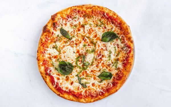 Mega pizza dle výběru3