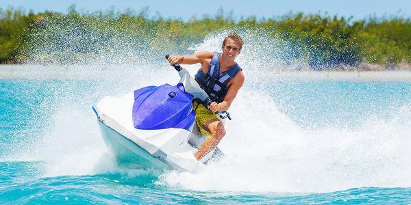Zábava na šlapadle, paddleboardu či vodním skútru
