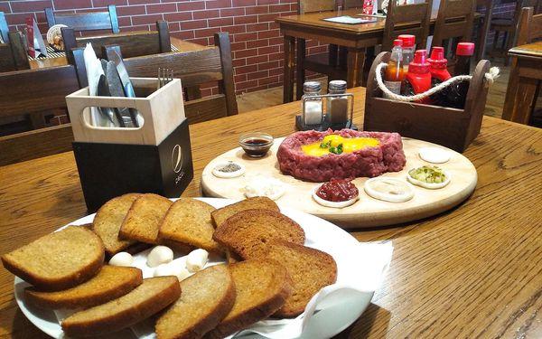 200g tatarský biftek a 8 křupavých topinek2