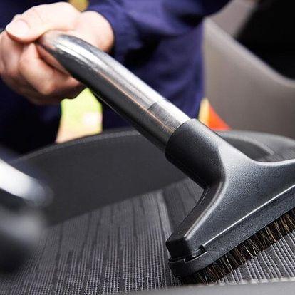 Důkladné čištění interiéru osobního auta v Mostě