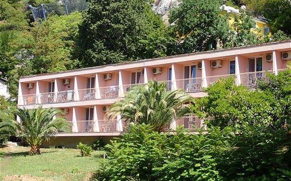 Hotel Brzet, Střední Dalmácie, vlastní doprava, snídaně v ceně2