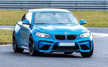 1–8 kol na závodním okruhu v BMW nebo Toyotě