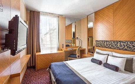 Budapešť v centru blízko nádraží v Marmara Hotelu **** se snídaněmi, welcome drinkem + dítě do 12 let zdarma