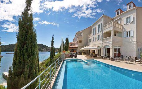 4* hotel s vlastní pláží, bazénem i farmou