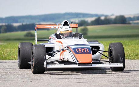 Zážitková jízda ve formuli F4 Mygale na závodním okruhu se zrychlením z 0 na 100 za 3,6 s