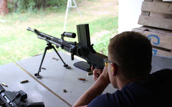 V kůži speciálních jednotek - 10 zbraní, 80 nábojů4