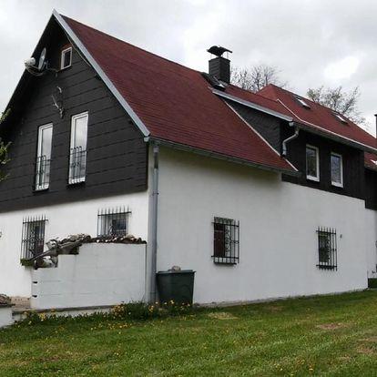 Karlovarský kraj: Secluded Holiday Home in Kraslice with Sauna, Jacuzzi