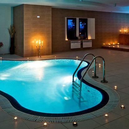 Romantika a wellness v zámeckém hotelu v Hluboké