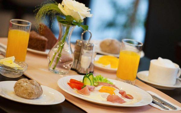 Pobyt se snídaněmi   2 osoby   2 dny (1 noc)4