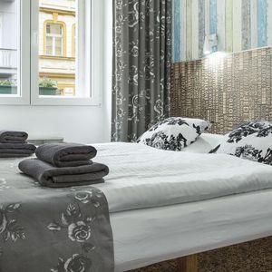 Royal Court Hotel**** 15 minut od Václavského náměstí se snídaní
