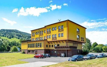 Pobyt v srdci CHKO Jeseníky: Hotel Zlatý Chlum *** s polopenzí, welcome drinkem, saunou a fitness
