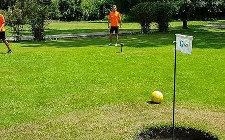 Denní nebo noční hra footgolfu pro 2 až 8 osob